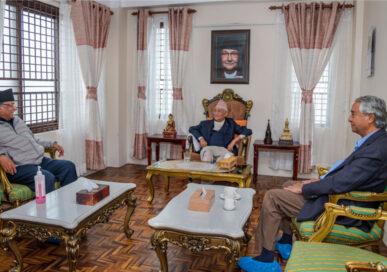 प्रधानमन्त्री ओली र काँग्रेस सभापति देउवाबिच भेटवार्ता