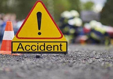 सुनसरीमा बस र माइक्रो ठोक्किदाँ ५ को मृत्यु दर्जन बढी घाइते