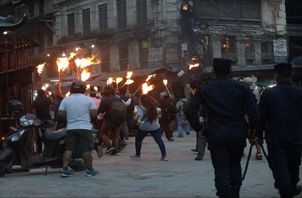 रुकुम-पश्चिम घटनाको बिरोधमा राजधानीमा मसाल जुलुश प्रदर्शन (फोटोफिचर सहित)